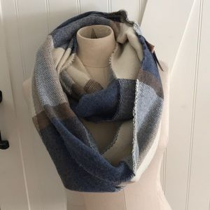 Accessories - Infinity polyester scarf
